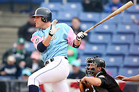 May 3, 2009:  First baseman Lucas Duda of the Binghamton Mets, Eastern League Class-AA affiliate of the New York Mets, during a game at the NYSEG Stadium in Binghamton, NY.  The Mets wore special blue and pink jerseys that were auctioned off after the game to benefit breast and prostate cancer.  Photo by:  Mike Janes/Four Seam Images