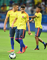 SALVADOR – BRASIL, 15-06-2019: John Stefan Medina y Mateus Uribede Colombia calientan previo al partido de la Copa América Brasil 2019, grupo B, entre Argentina y Colombia jugado en el Itaipava Fonte Nova Arena de la ciudad de Salvador, Brasil. / John Stefan Medina and Mateus Uribe of Colombia warm up prior the Copa America Brazil 2019 group B match between Argentina and Colombia played at Itaipava Fonte Nova Arena in Salvador, Brazil. Photos: VizzorImage / Julian Medina / Cont / FCF