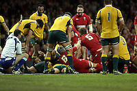 Pictured: Alun Wyn Jones of Wales (5) scores a try. Saturday 08 November 2014<br />