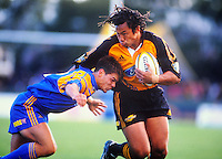 Tana Umaga in action for the Hurricanes . Photo: Niels Schipper / lintottphoto.co.nz