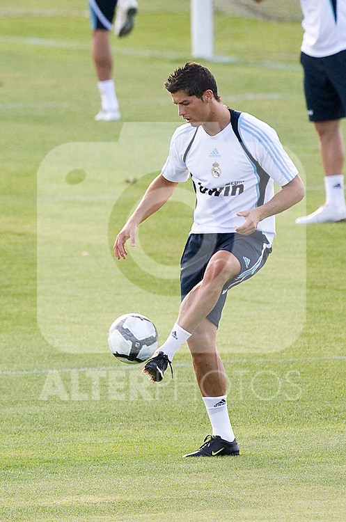 Real Madrid's Cristiano Ronaldo during training sesion. August 04 2009. (ALTERPHOTOS/Acero).
