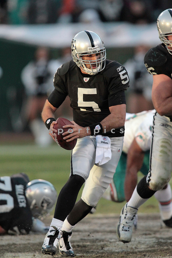 BRUCE GRADKOWSKI, of the Oakland Raiders in action durIng the Raiders game against the Miami Dolphins at Oakland-Alameda County Coliseum in Oakland, California, on November 28, 2010....Dolphins beat the Raiders 33-17