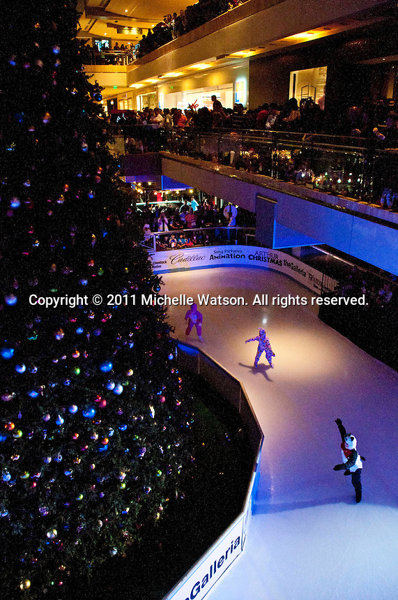 Houston Galleria Ice Spectacular and Tree Lighting Ceremony