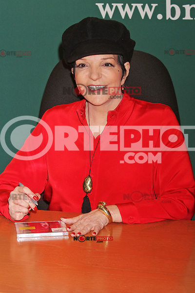 """Liza Minnelli signing her CD, """"Liza Minnelli: Live at the Winter Garden"""" at Barnes & Noble Fifth Avenue in New York, 09.05.2012..Credit: Rolf Mueller/face to face/MediaPunch Inc. ***FOR USA ONLY***"""
