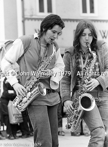 The York Street Band playing in York, March 1979.  Rose Davies (YSB) with guest, Dena Attar.  Sarha Moore and Ros Davies went on to play in The Bollywood Band, and Ros also joined the Grand Union Band, in London.  Anthea Gomez went on to write and play music for the theatre and then BBC Drama before changing direction.