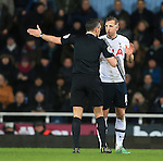 Tottenham's Harry Kane protests his innocence to referee Andre Marriner<br /> <br /> - English Premier League - West Ham Utd vs Tottenham  Hotspur - Upton Park Stadium - London - England - 2nd March 2016 - Pic David Klein/Sportimage