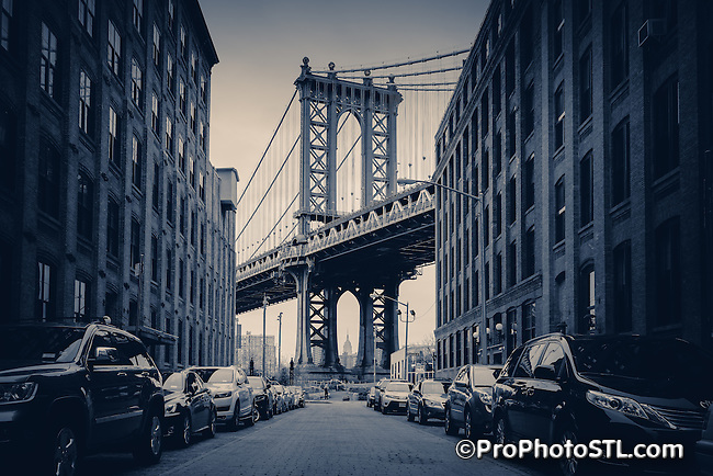 The Manhattan Bridge is a suspension bridge that crosses the East River in New York City, connecting Lower Manhattan at Canal Street with Downtown Brooklyn at the Flatbush Avenue Extension.