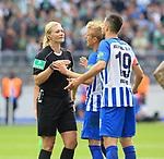 10.09.2017, OLympiastadion, Berlin, GER, 1.FBL, Hertha BSC VS. SV Werder Bremen, im Bild <br /> Schiedsrichterin  Bibiane Steinhaus, Per Skelbred (Hertha BSC Berlin #3), Vedad Ibisevic (Hertha BSC Berlin #19)<br /> <br /> <br />       <br /> Foto &copy; nordphoto / Engler
