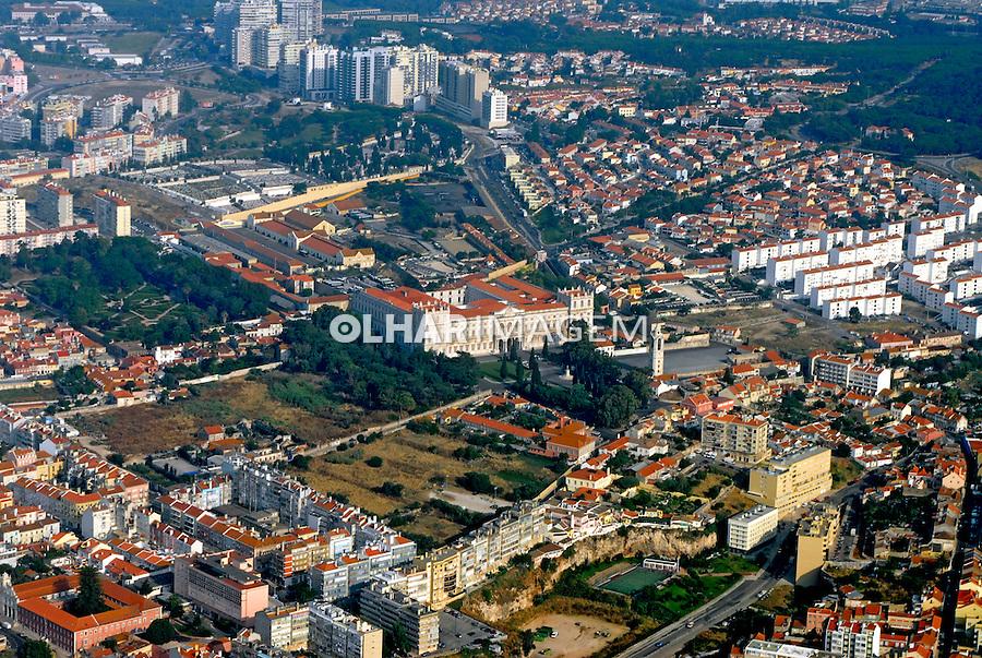 Moradias na cidade de Lisboa. Portugal. 2006. Foto de Luciana Whitaker.