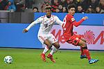 12.01.2018, BayArena, Leverkusen , GER, 1.FBL., Bayer 04 Leverkusen vs. FC Bayern M&uuml;nchen<br /> im Bild / picture shows: <br /> re Kingsley Coman (Bayern Muenchen #29),  im Zweikampf gegen  Benjamin Henrichs (Leverkusen #39), <br /> <br /> <br /> Foto &copy; nordphoto / Meuter