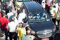 RIO DE JANEIRO, RJ, 27.07.2017 - TAXI-RJ - Protesto de taxistas em frente a sede da prefeitura do Rio de Janeiro contra a liberação do Uber, várias caravanas saíram de diferentes bairros da cidade para o ato, causando um grande congestionamento no trânsito, no Rio de Janeiro nesta quinta-feira, 27. (Foto: Clever Felix/Brazil Photo Press)