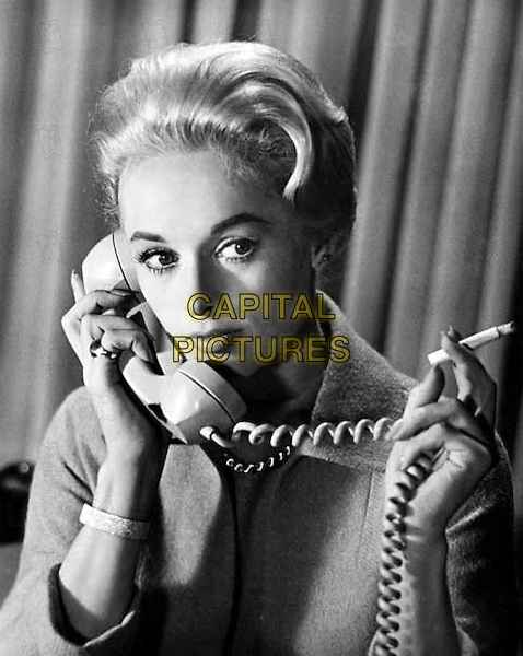 The Birds (1963) <br /> Tippi Hedren<br /> *Filmstill - Editorial Use Only*<br /> CAP/KFS<br /> Image supplied by Capital Pictures