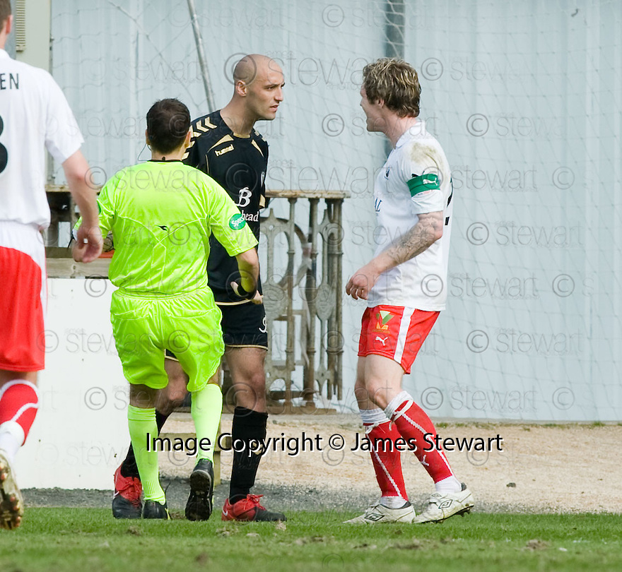 10/04/2010   Copyright  Pic : James Stewart.sct_jsp16_falkirk_v_st_mirren  .::  BILLY MEHMET AND DARREN BARR SQUARE UP ::  .James Stewart Photography 19 Carronlea Drive, Falkirk. FK2 8DN      Vat Reg No. 607 6932 25.Telephone      : +44 (0)1324 570291 .Mobile              : +44 (0)7721 416997.E-mail  :  jim@jspa.co.uk.If you require further information then contact Jim Stewart on any of the numbers above.........