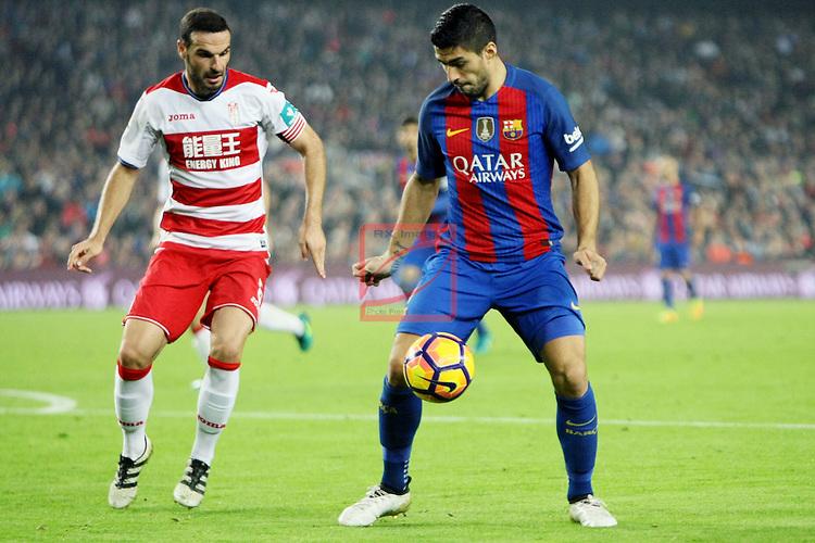 League Santander 2016/2017. Game: 10.<br /> FC Barcelona vs Granada CF: 1-0.<br /> Lomban vs Luis Suarez.