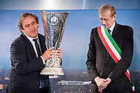 Il Presidente UEFA Michel Platini consegna al Sindaco di Torino Piero Fassino il trofeo dell'Europa League durante la cerimonia a Palazzo Madama di Torino  Europa League Trophy Handover <br /> Uefa President Michel Platini and Torino Mayor Piero Fassino attend the Europa League Trophy handover ceremony<br /> <br /> Torino 16/04/2014   Football Calcio   Foto Giorgio Perottino / Insidefoto