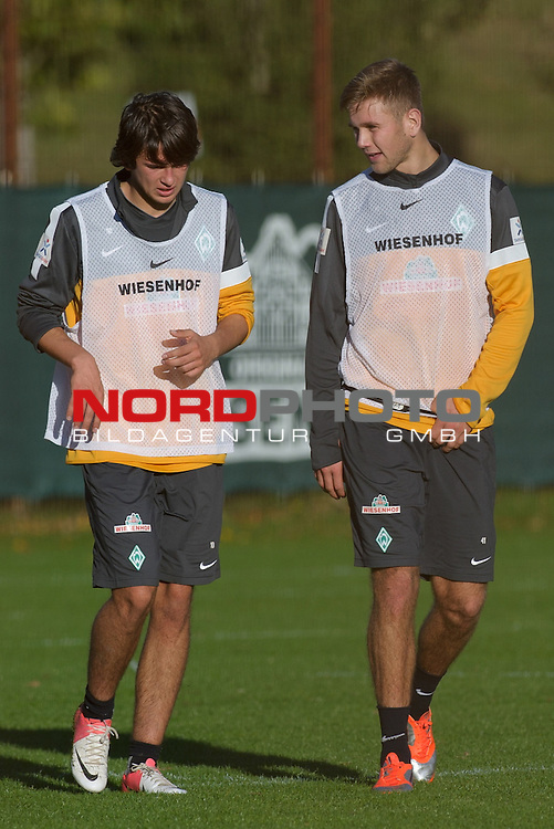 15.10.2012, Trainingsgelaende, Bremen, GER, 1.FBL, Training Werder Bremen, im Bild Julian von Haacke (Bremen #38), Niclas F&uuml;llkrug / Fuellkrug (Bremen #41)<br /> <br /> // during training session of Werder Bremen on 2012/10/15, Trainingsgelaende, Bremen, Germany.<br /> Foto &copy; nph / Frisch *** Local Caption ***