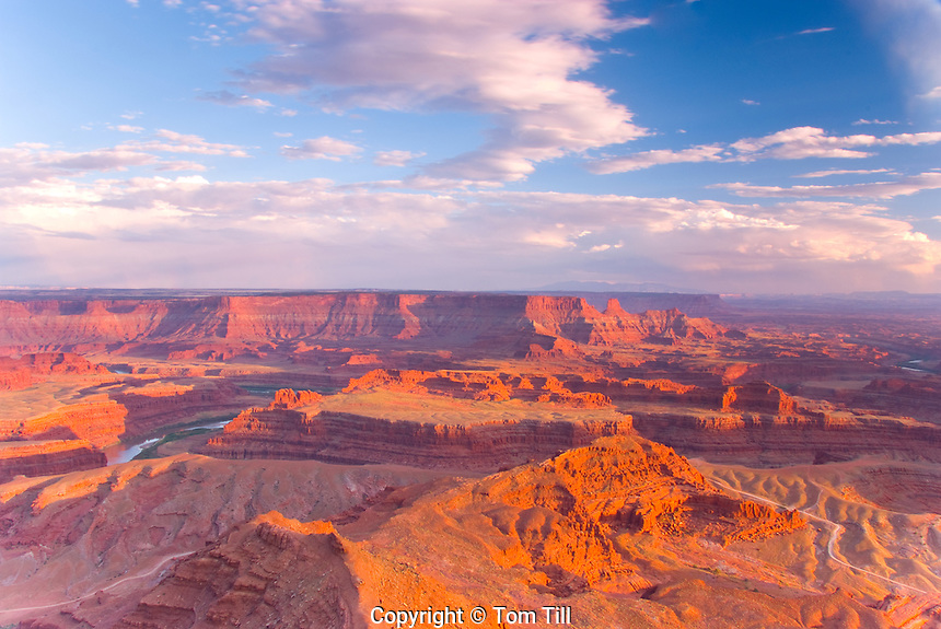 Dead Horse Point  Dead Horse Point State Park, Utah   Colorado River         Viewpoint above canyonlands