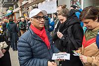 """Das Textilgeschaeft """"Kamil Mode"""" von Hassan Qadri (links im Bild) in Kreuzberg ist von Zwangsraeumung bedroht. Die Kuendigung zum 31. Maerz 2019 durch den Eigentuemer des Hauses am Kottbuser Damm 9, Thorsten Cussler, bedeutet nach 16 Jahren das Aus fuer das Modegschaeft. Cussler will fuer den 61 Quadratmeter grossen Laden zukuenftig ueber 3.000,- Euro Miete, momentan zahlt Hassan Qadri 1.200,- Euro.<br /> Anwohner und Kunden protestieren seit Monaten gegen die Kuendigung, so auch am Freitag den 22. Maerz 2019. Thorsten Cussler beharrt jedoch weiter darauf, dass """"Kamil Mode"""" geschlossen wird.<br /> 22.3.2019, Berlin<br /> Copyright: Christian-Ditsch.de<br /> [Inhaltsveraendernde Manipulation des Fotos nur nach ausdruecklicher Genehmigung des Fotografen. Vereinbarungen ueber Abtretung von Persoenlichkeitsrechten/Model Release der abgebildeten Person/Personen liegen nicht vor. NO MODEL RELEASE! Nur fuer Redaktionelle Zwecke. Don't publish without copyright Christian-Ditsch.de, Veroeffentlichung nur mit Fotografennennung, sowie gegen Honorar, MwSt. und Beleg. Konto: I N G - D i B a, IBAN DE58500105175400192269, BIC INGDDEFFXXX, Kontakt: post@christian-ditsch.de<br /> Bei der Bearbeitung der Dateiinformationen darf die Urheberkennzeichnung in den EXIF- und  IPTC-Daten nicht entfernt werden, diese sind in digitalen Medien nach §95c UrhG rechtlich geschuetzt. Der Urhebervermerk wird gemaess §13 UrhG verlangt.]"""
