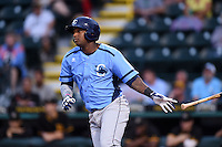 Charlotte Stone Crabs outfielder Yoel Araujo (28) at bat during a game against the Bradenton Marauders on April 20, 2015 at McKechnie Field in Bradenton, Florida.  Charlotte defeated Bradenton 6-2.  (Mike Janes/Four Seam Images)