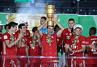 04.07.2020, Fussball DFB Pokal Finale, Bayer 04 Leverkusen - FC Bayern Muenchen emspor,  Thomas Mueller (FC Bayern Muenchen) mit dem PokalFoto: Kevin Voigt/Jan Huebner/Pool/Marc Schueler/Sportpics.de<br /> <br /> (DFL/DFB REGULATIONS PROHIBIT ANY USE OF PHOTOGRAPHS as IMAGE SEQUENCES and/or QUASI-VIDEO - Editorial Use ONLY, National and International News Agencies OUT)