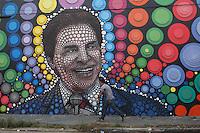 SÃO PAULO, SP - 18.05.2015 - SILVIO SANTOS-SP -  Vista de uma  homenagem ao empresário e apresentador Silvio Santos realizada em um muro no bairro do Campo Limpo, zona sul de São Paulo, nesta segunda-feira (18). A obra, é assinada pelo grafiteiro Paulo Terra, também conhecido por obras que homenagearam Roberto Bolaños, o Chaves. (Foto: Douglas Pingituro / Brazil Photo Press)