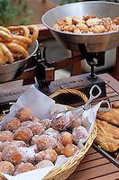 Europe/France/Corse/2A/Corse-du-Sud/Ajaccio: I Frriteddi di Ghjaseppu,  les beignets et biscuits corses de Joseph Cappai dans sa boutique 6 rue de l'Assomption.