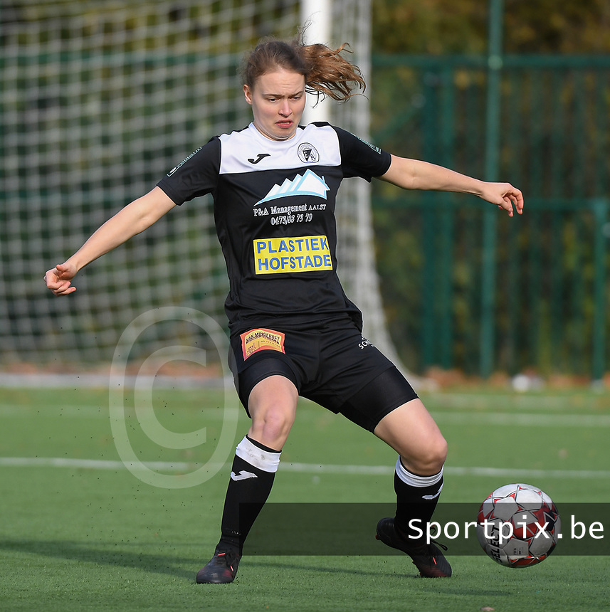 20191116 – WONDELGEM, BELGIUM : Aalst's Tiana Andries  pictured during a women soccer game between AA Gent Ladies and Eendracht Aalst in the ¼  quarter finals of the Belgium Women's Cup Competition  season 2019-2020 , saturday 16 th November 2019 at the Neptunus site stadium in Wondelgem,  Gent  , Belgium  .  PHOTO SPORTPIX.BE | DIRK VUYLSTEKE