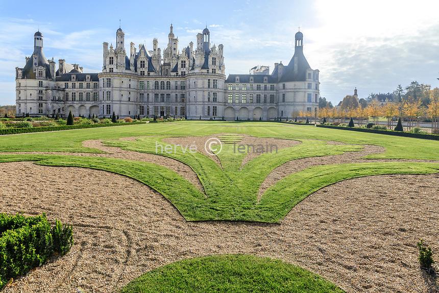 France, Loire-et-Cher (41), Chambord, château de Chambord et jardin à la française