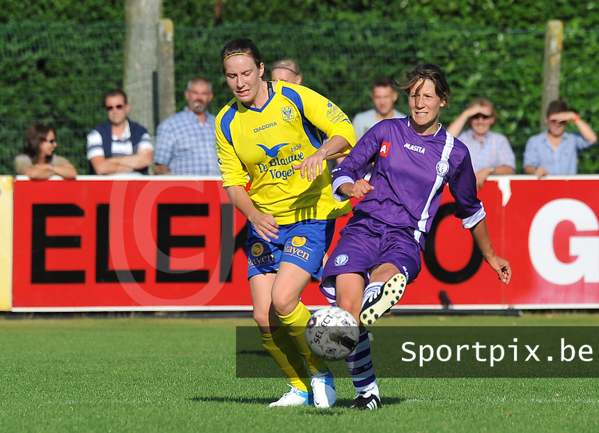Beerschot Dames - STVV  Sint-Truiden VV Dames :.duel tussen Elke Meers en Tine Van Roie.foto JOKE VUYLSTEKE / Vrouwenteam.be