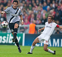 30.09.2009, Alianz Arena München, GER, UEFA CL, FC Bayern München vs Juventus Turin EXPA Pictures © 2009, Photographer Insidefoto/EXPA/ J. Groder<br />  Fabio Grosso ( Juventus #6, ITA ) vs Philipp Lahm, ( FC Bayern #21, GER )