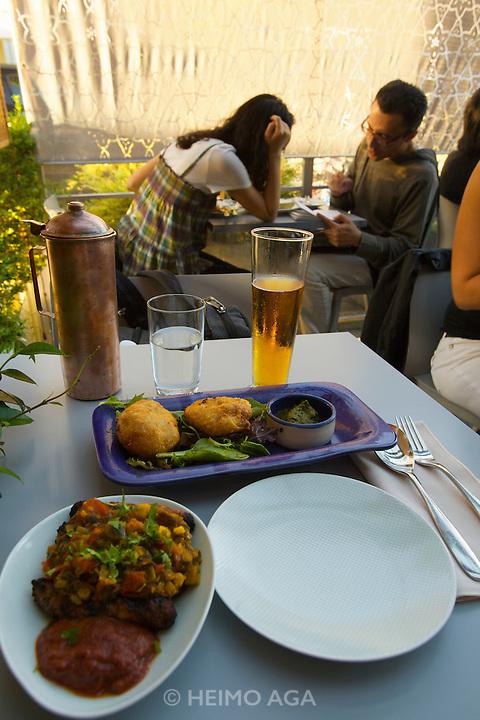 Vij's Rangoli Indian restaurant and cafe.