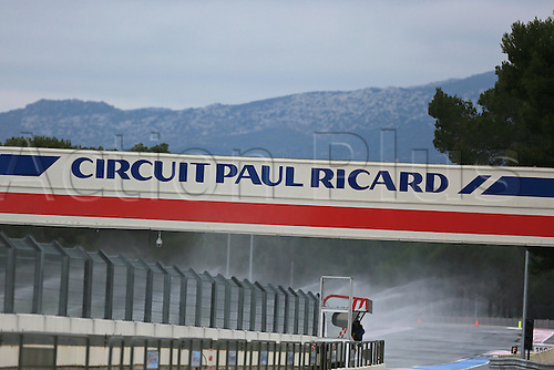 25.01.2016. Paul Ricard Circuit, Le Castellet, Marseille, France. F1 Tyre testing for teams with Pirelli.  Pirelli wet tyre test at Paul Ricard, France