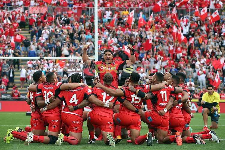 Tonga perform the Haka.<br /> England v Tonga, Semi-Final, Rugby League World Cup 2017. RLWC2017. Mt Smart Stadium, Auckland New Zealand. Saturday 25 November 2017 &copy; Copyright Photo: NRL Photos MANDATORY BYLINE/CREDIT : Andrew Cornaga/SWpix.com/PhotosportNZ