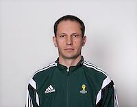 FUSSBALL Fototermin FIFA WM Schiedsrichterassistenten 09.04.2014 Abduxamidullo RASULOV (Serbien)