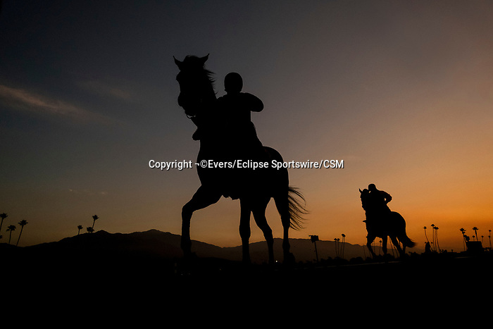 November 21, 2018: Sunrise at Santa Anita on November 21, 2018 in Del Mar, California. Evers/Eclipse Sportswire/CSM