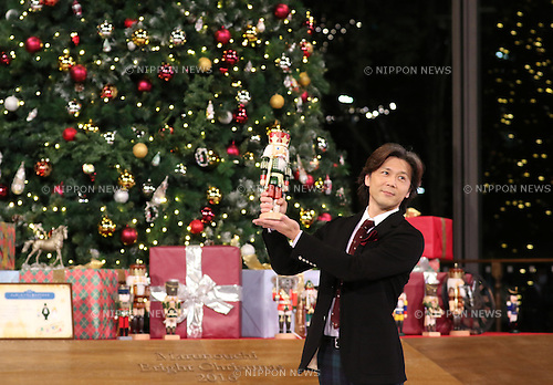 "November 10, 2016, Tokyo, Japan - Tetsuya Kumakawa, Japanese ballet dancer and director of the K Ballet Company holds a nutcracker as he attends the light-up ceremony of a large Christmas tree at the Marunouchi building in Tokyo on Thursday, November 10, 2016. The Marunouchi area started illumination and decoration with motif of ballet dance Tchaikovsky's ""Nutcracker"" through the Christmas Day.  (Photo by Yoshio Tsunoda/AFLO) LWX -ytd-"