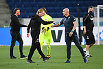 Trainer Markus Gisdol (1. FC Koeln) und Trainer Alfred Schreuder (Hoffenheim) schlagen nach Abpfiff ab.<br /> <br /> Sport: Fussball: 1. Bundesliga: Saison 19/20: 28. Spieltag: TSG 1899 Hoffenheim - 1. FC Koeln, 27.05.2020<br /> <br /> Foto: Markus Gilliar/GES/POOL/PIX-Sportfotos.<br /> <br /> Nur für journalistische Zwecke! Only for editorial use!<br /> <br /> Gemäß den Vorgaben der DFL Deutsche Fußball Liga ist es untersagt, in dem Stadion und/oder vom Spiel angefertigte Fotoaufnahmen in Form von Sequenzbildern und/oder videoähnlichen Fotostrecken zu verwerten bzw. verwerten zu lassen. DFL regulations prohibit any use of photographs as image sequences and/or quasi-video.
