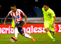 BARRANQUIILLA - COLOMBIA, 21-03-2018: Jarlan Barrera (Izq) jugador del Atlético Bucaramanga disputa el balón con Duvan Vergara (Der) jugador de Atletico Nacional durante partido por la fecha 8 de la Liga Águila I 2018 jugado en el estadio Alfonso López de la ciudad de Bucaramanga. / Jarlan Barrera (L) player of Atletico Bucaramanga struggles the ball with Duvan Vergara (R) player of Atletico Nacional during match for the date 8 of the Aguila League I 2018played at Alfonso Lopez stadium in Bucaramanga city.  Photo: VizzorImage/ Alfonso Cervantes / Cont