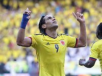 BARRANQUILLA-COLOMBIA.12-10-2012.Radamel Falcao García jugador  de la selección Colombia de fútbol de mayores.Encuentro con Paraguay ..Eliminatorias Brasil 2014.Team of Colombia soccer.Radamel Falcao Garcia player of Colombia soccer team in action .Macht Colombia between Paraguay.Brazil 2014 World Cup..Photo:VizzorImage/Felipe Caicedo. .