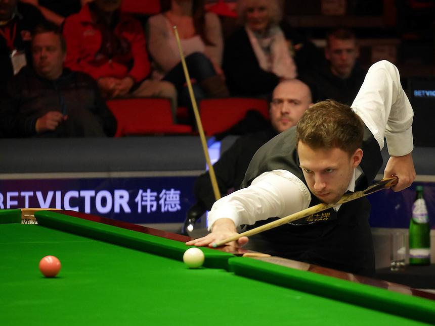 Judd Trump in action against Jamie Burnett in the last 64<br /> <br /> Snooker - Betvictor Welsh Open 2014  - Monday 24th February 2014 - Newport Centre - Newport - Wales - UK <br /> <br /> Credit - CameraSport - Ian Cook <br /> <br /> &copy; CameraSport - 43 Linden Ave. Countesthorpe. Leicester. England. LE8 5PG - Tel: +44 (0) 116 277 4147 - admin@camerasport.com - www.camerasport.com
