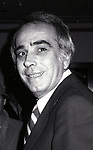 Tom Snyder attends a Broadway show on November 27, 1982  in New York City.