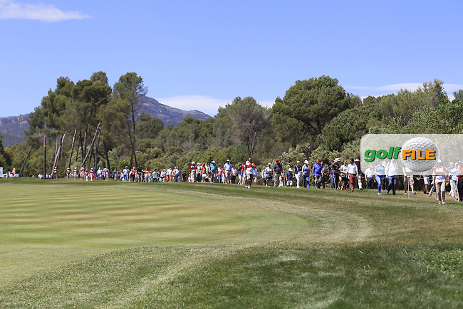 A crowd on the 18th during Round 3 of the Open de Espana  in Club de Golf el Prat, Barcelona on Saturday 16th May 2015.<br /> Picture:  Thos Caffrey / www.golffile.ie