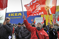 - Milano, 5 dicembre 2017, protesta dei sindacati all'IKEA di Corsico per i licenziamenti ingiustificati