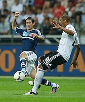 FUSSBALL Nationalmannschaft Freundschaftsspiel:  Deutschland - Argentinien             15.08.2012 Angel di Maria (li, Argentinien) gegen Jerome Boateng (Deutschland)