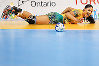 TORONTO, CANADA, 24.07.2015 - PAN-HANDBALL - Amanda Andrade do Brasil durante partida contra Argentina na final do Handball Feminino no Centro de Exposições de Toronto nesta sexta-feira, 24.  (Foto: William Volcov/Brazil Photo Press)