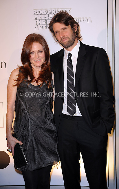 WWW.ACEPIXS.COM . . . . . ....October 29 2009, New York city....Actress Julianne Moore and Bart Freundlich arriving at the 1st Annual Guggenheim Art Awards at the Solomon R. Guggenheim Museum on October 29, 2009 in New York City.....Please byline: KRISTIN CALLAHAN - ACEPIXS.COM.. . . . . . ..Ace Pictures, Inc:  ..tel: (212) 243 8787 or (646) 769 0430..e-mail: info@acepixs.com..web: http://www.acepixs.com