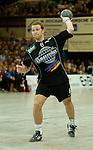 Handball Maenner 1. Bundesliga 2002/2003 Goeppingen (Germany) FrischAuf! Goeppingen - SG Wallau/Massenheim Christian Rose (Wallau) beim Siebenmeter