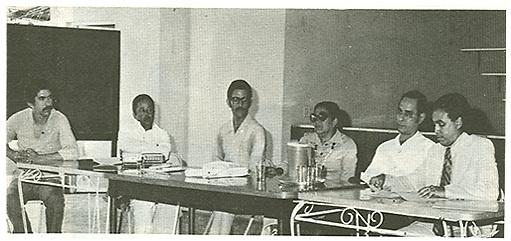 Adriano Miguel Tejada, Manuel Mora Serrano, Bruno Candelier, Aída Cartagena Portalatín, Alberto Peña Lebrón y Héctor Amarante durante el coloquio sobre Escalera para Electra, Moca, 1975.