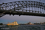 Sydney.Ferry et pont de  Sydney
