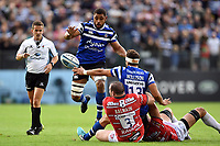 Jackson Willison of Bath Rugby offloads the ball to team-mate Taulupe Faletau. Gallagher Premiership match, between Bath Rugby and Gloucester Rugby on September 8, 2018 at the Recreation Ground in Bath, England. Photo by: Patrick Khachfe / Onside Images